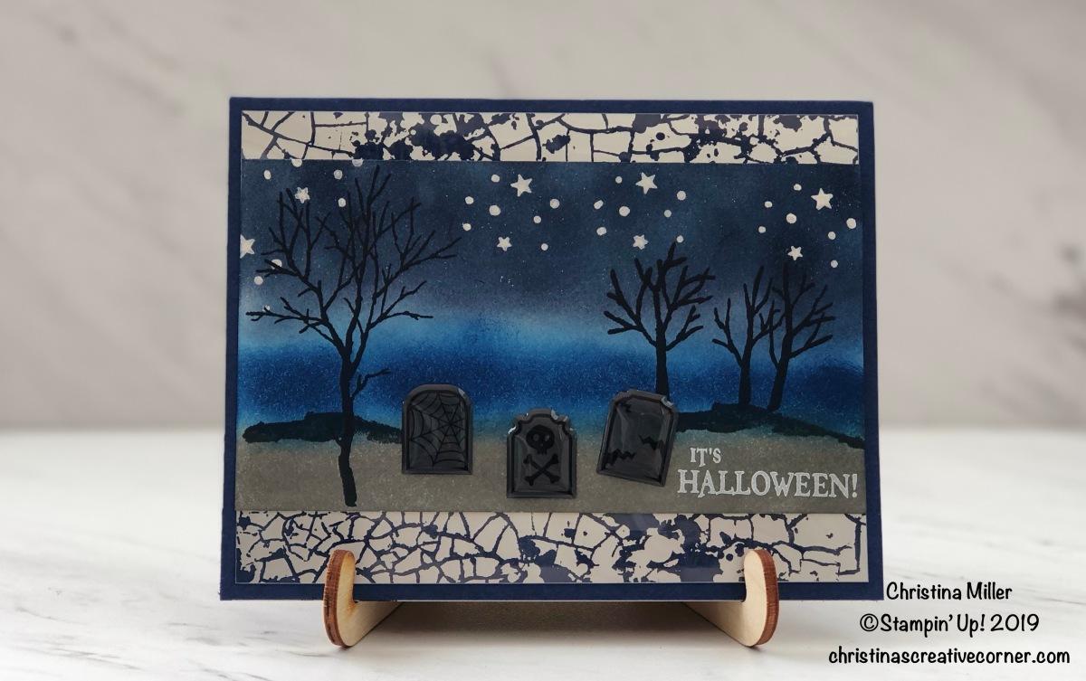 Spooky graveyard Halloweencard!